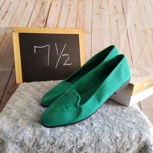 Gitano Green Fabric Flats Size 7 1/2